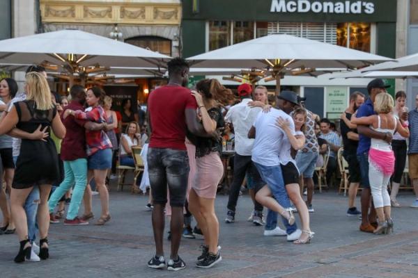 DANC'ART à Lille chaque dimanche soir Grand Place de Lille jusque le 26 Aout 2018